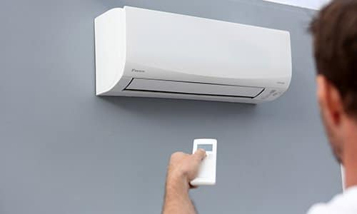 Daikin Air Conditioners Reviewed: AC Buying Guide & Comparisons